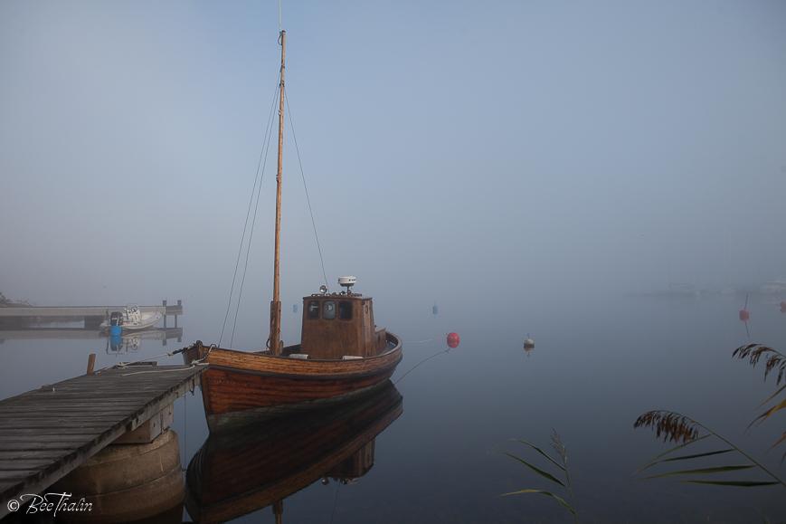 Båt i dimman