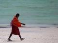 massaj på en strand på Zanzibar