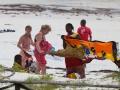 på en strand på zanzibar
