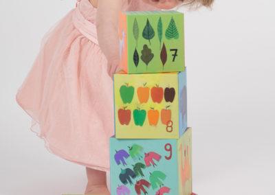 barn i studio - barnfotograf Bee Thalin på Värmdö